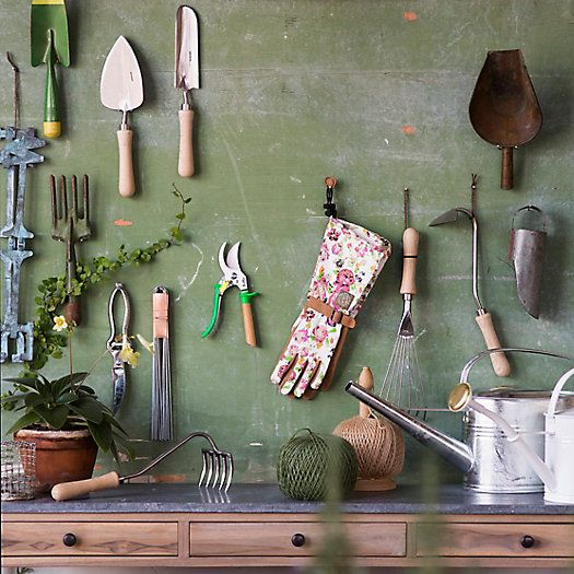 must-have-tools-for-gardening